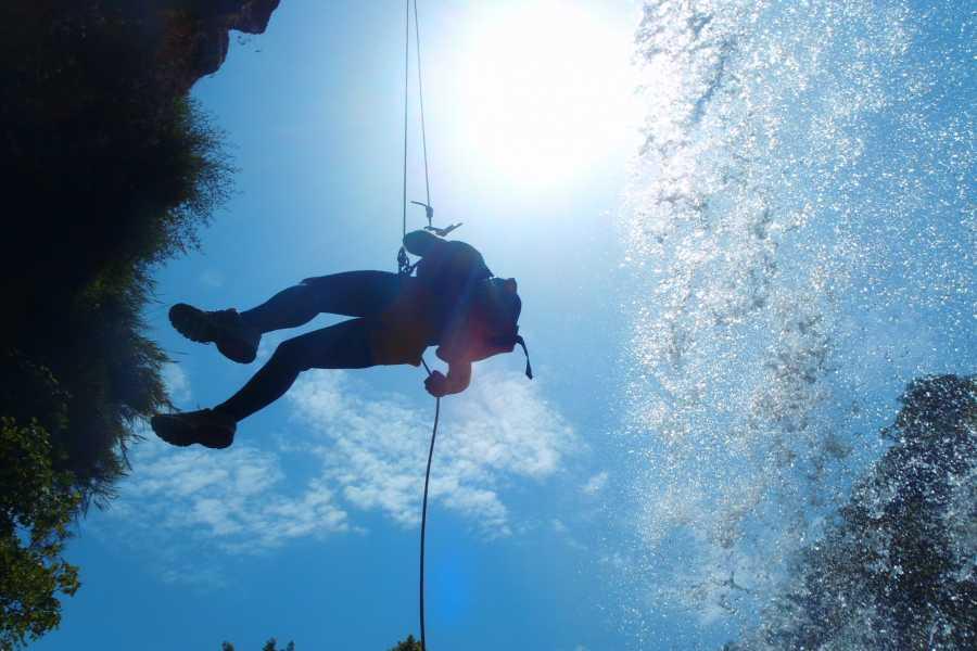 TURURAC. Turismo Activo y de Aventura Canyoning. Gorgo de la Escalera. Emotions soaking.
