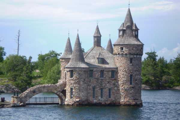 2-Day Niagara Falls and 1000 Islands Tour from New York/New Jersey