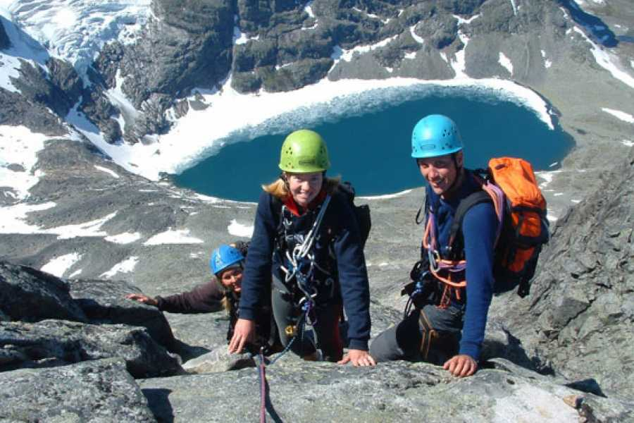 Jostedalen Breførarlag Private guiding mountaneering and rock- climbing