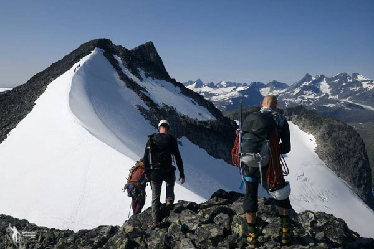 Jostedalen Breførarlag Private hikes from Fondsbu-Jotunheimen