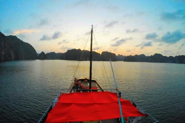 Vietnam 24h Tour The Real Halong Bay Private Cruise & Island Experience 4D3N | Option B