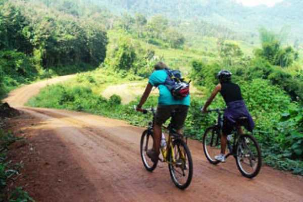 Vietnam 24h Tour Private Cycling Day Trip from Luang Prabang
