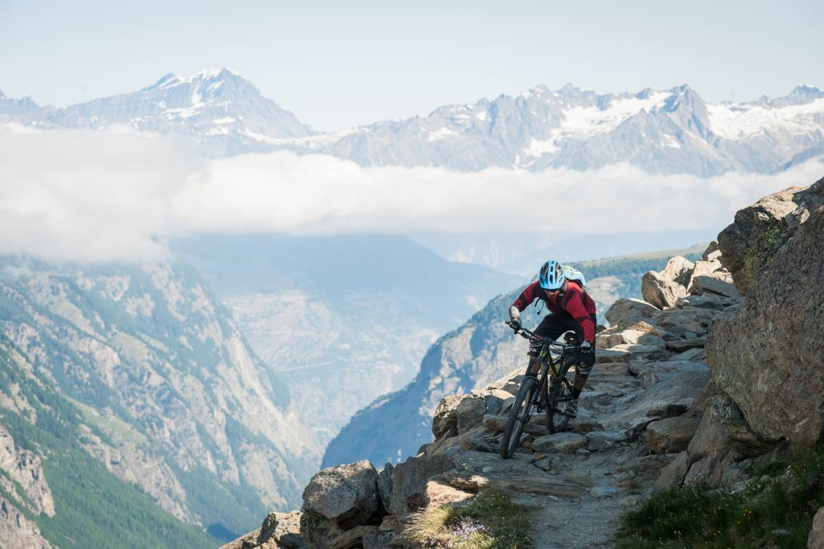 Saas-Fee Guides Mountain bike package