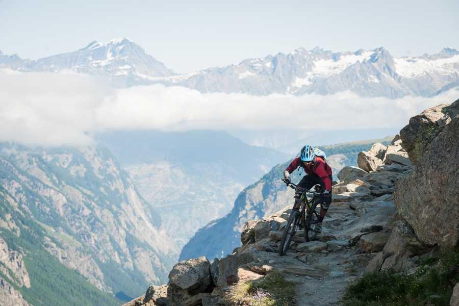 Saas-Fee Guides Mountain bike package