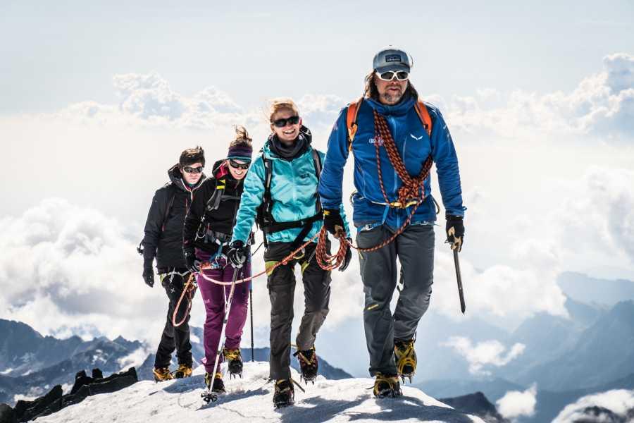Saas-Fee Guides Allalinhorn 4027m