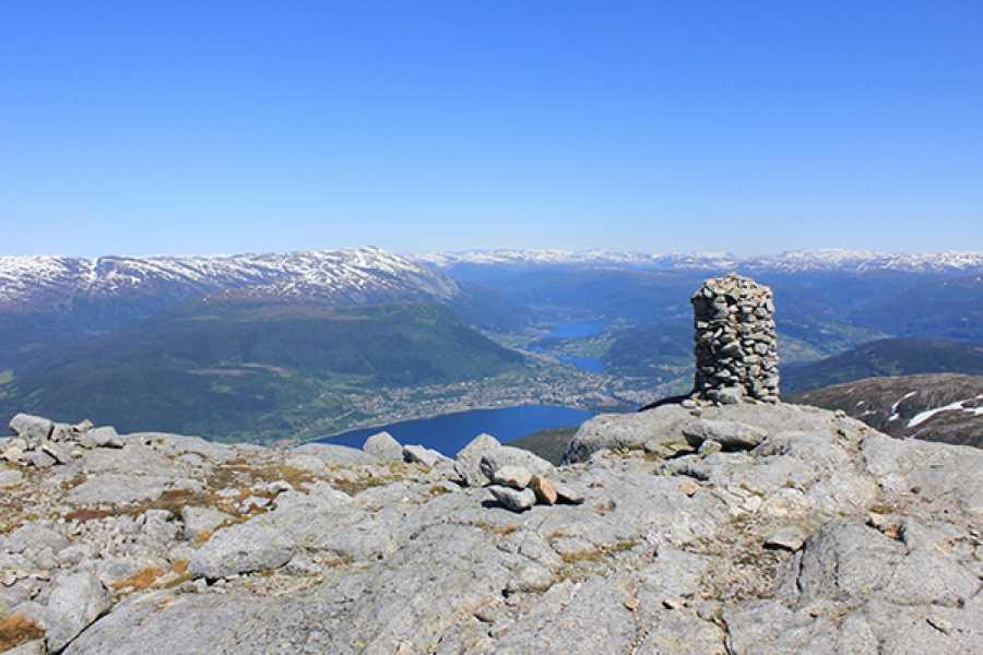 Øystein Ormåsen Round trip to Gråsidetoppen: A Voss Panorama