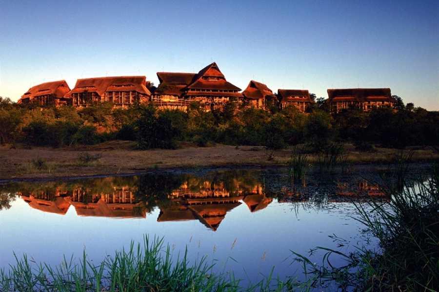 BOOKINGAFRICA.NET Victoria Falls Safari Lodge 3 nights