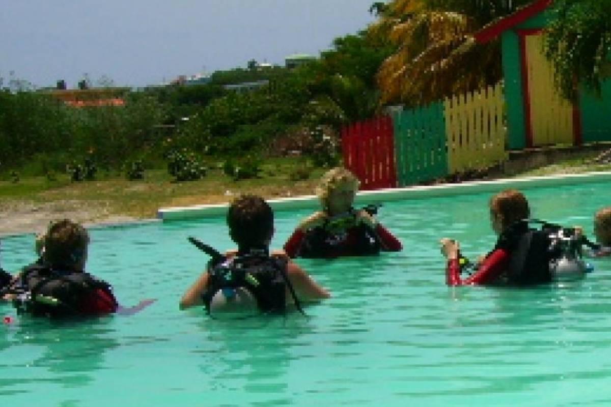 Aquanauts Grenada SGU Padi Open Water Diver Course