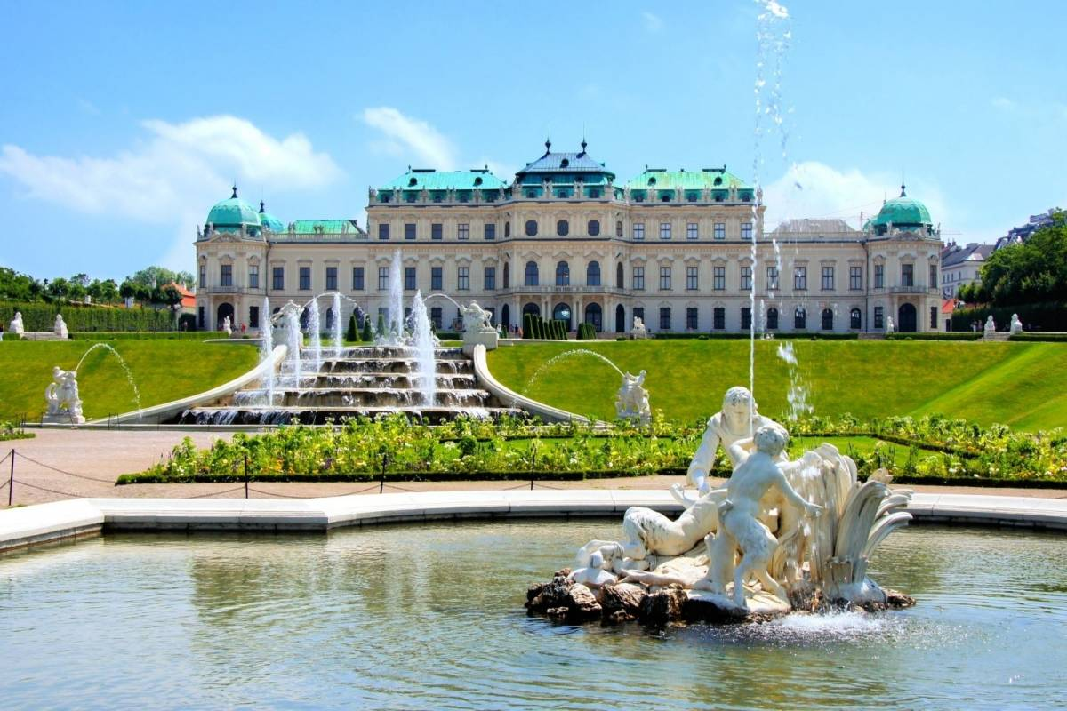 24/7/365 Travel Vienna arrival airport transfer