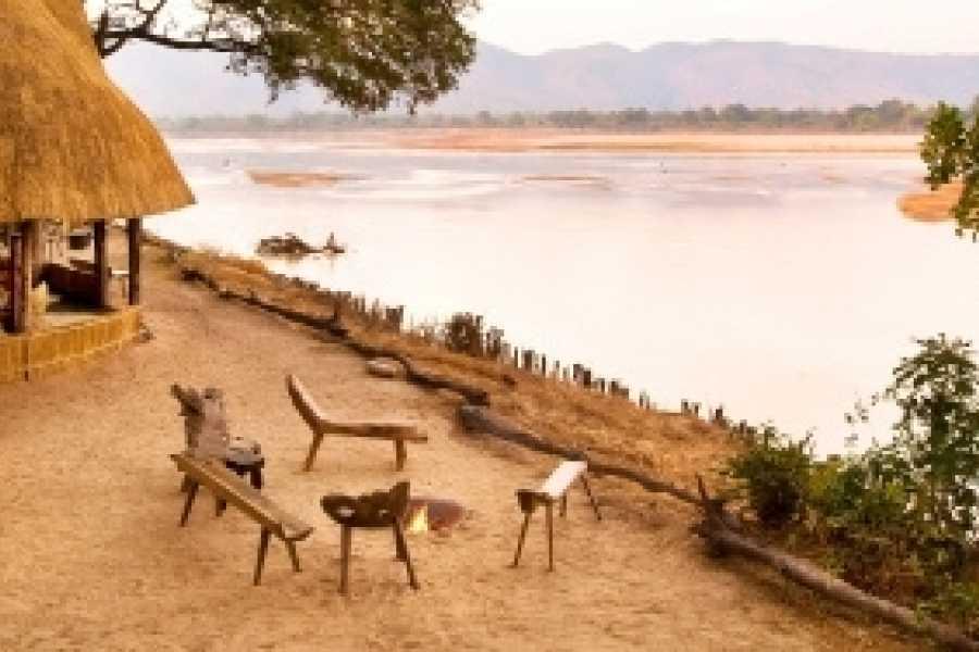 BOOKINGAFRICA.NET Luangwa Valley - Mfuwe Lodge 3 nights