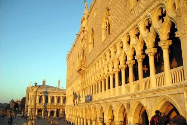 The Doge's Palace guided tour (skip the line) and entrance ticket to old Royal Palace!