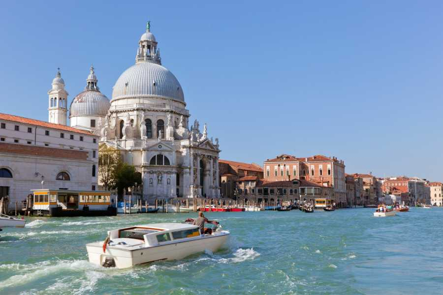 Venice Tours srl VENICE UNIQUE EXPERIENCE - Grand Canal guided tour by boat and lunch - Private tour skip the line!
