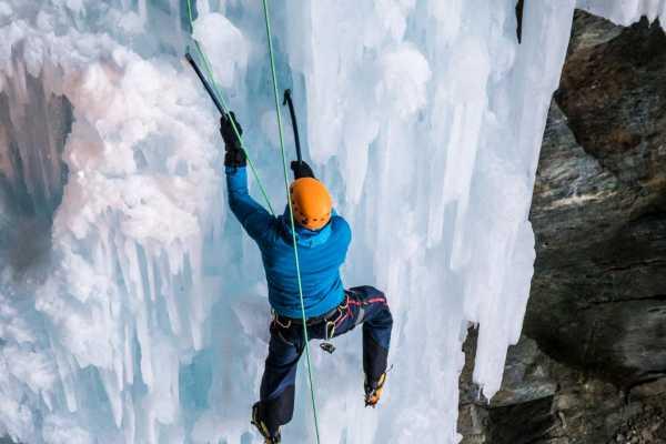 Saas-Fee Guides Eiskletter Schnupperkurs