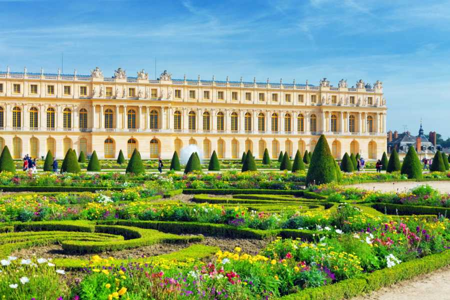 Memories France Private Half-Day Tour of Versailles Palace & Gardens