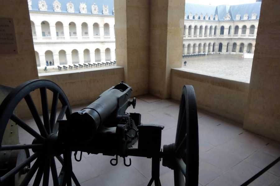 Memories France Invalides Army Museum and Cathedral Private Tour including Napoleon's tomb
