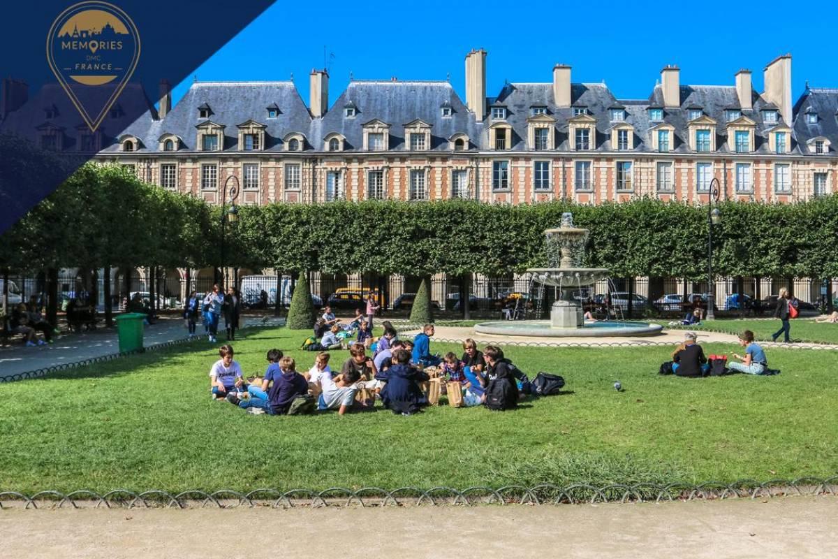 Memories DMC France Private Tour of Le Marais: Renaissance Neighborhood in Central Paris
