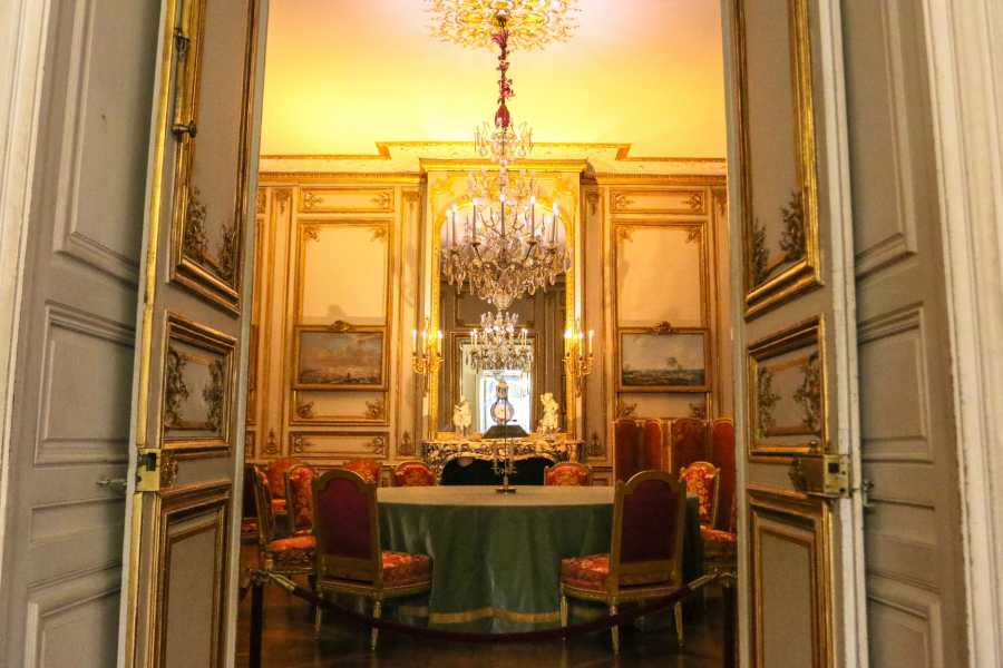 Memories France Private Versailles Palace Highlights & VIP access to the Private Apartments of the Kings Tour