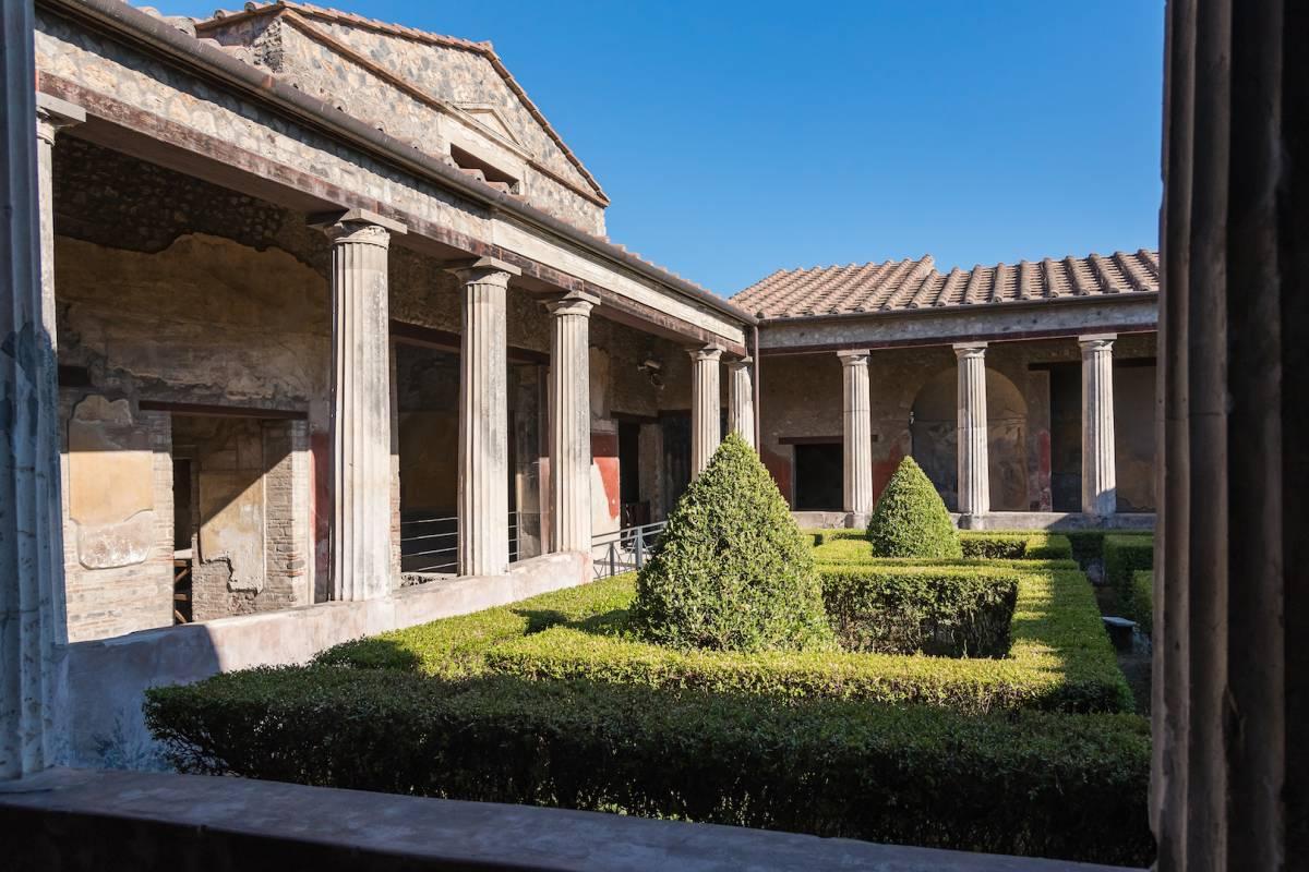 Travel etc Private Pompeii Half day