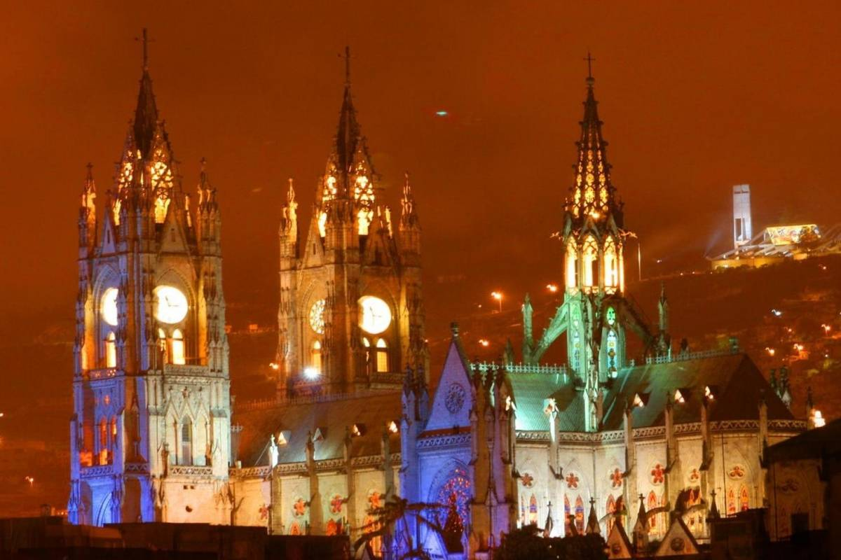 Gray Line Ecuador Urban Legends of Quito at night
