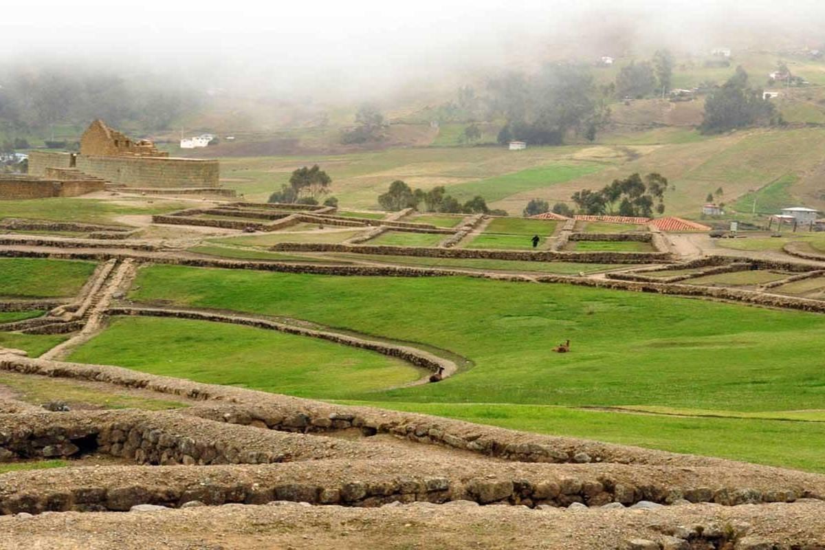 Gray Line Ecuador Ingapirca ruins & Train