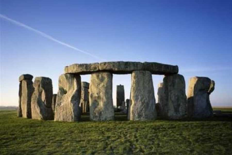 Halal Tourism Britain Windsor, Bath & Stonehenge Tour with Entry