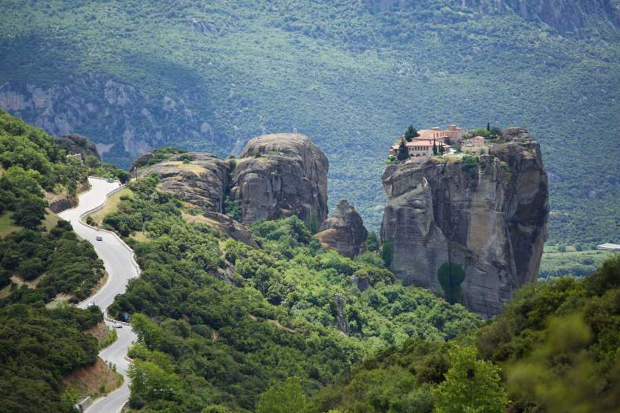 Visit Meteora 3-Days/2 Nights Rail Tour from Thessaloniki to Meteora