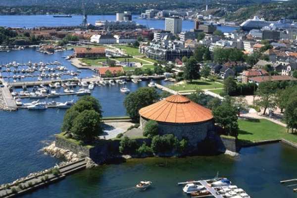 Guide Sør Kristiansand city walk with guide
