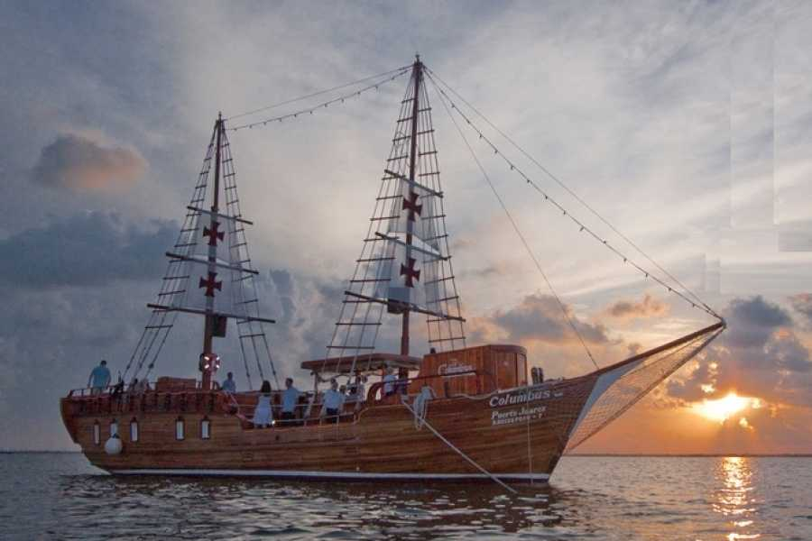 Cancun Vacation Experts DINNER AT A SPANISH GALLEON