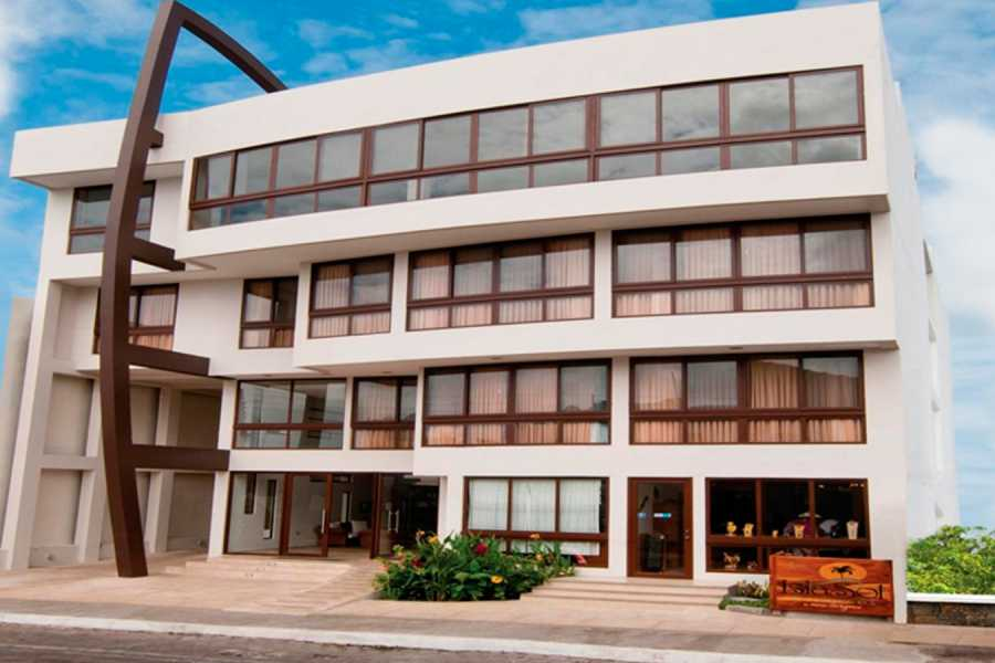 Gray Line Ecuador Isla Sol by Sol y Mar Hotel - First 4****