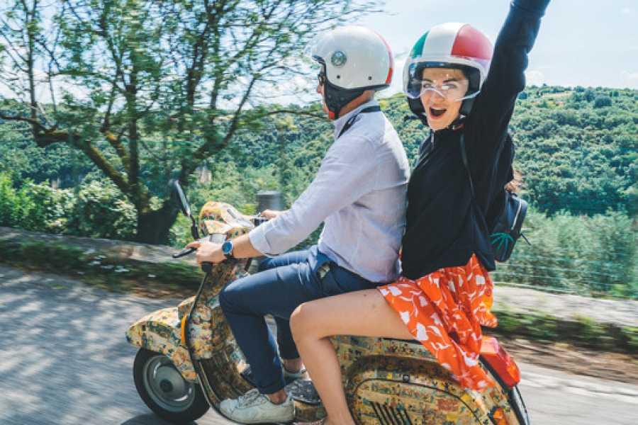 VERONALITY Verona Panoramic Vespa Tour (Only passenger)