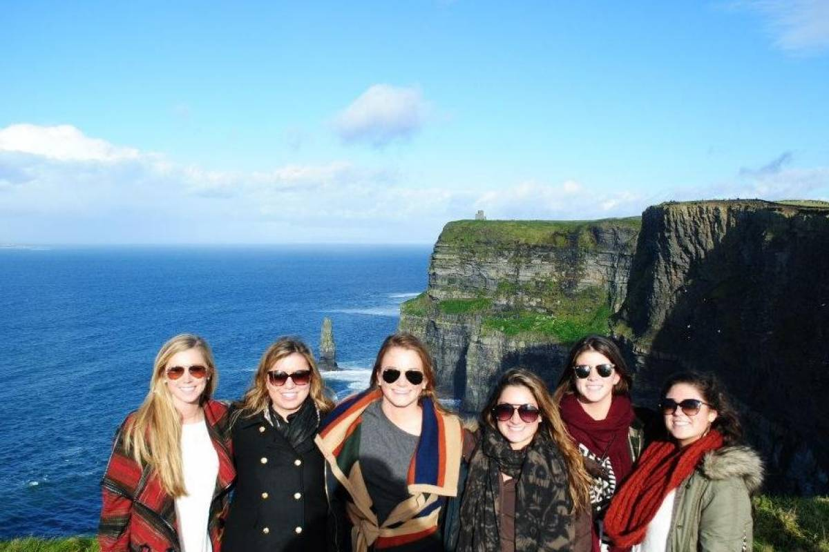 4.0 Tours Go London: Ireland Coast to Coast