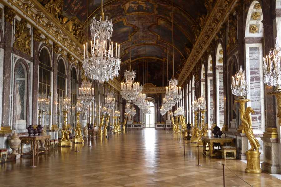 Memories France Versailles Palace Half-Day Tour with Skip-the-Line & Gardens, from Paris