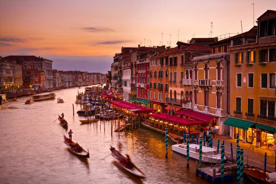 Venice Tours srl Private gondola serenade
