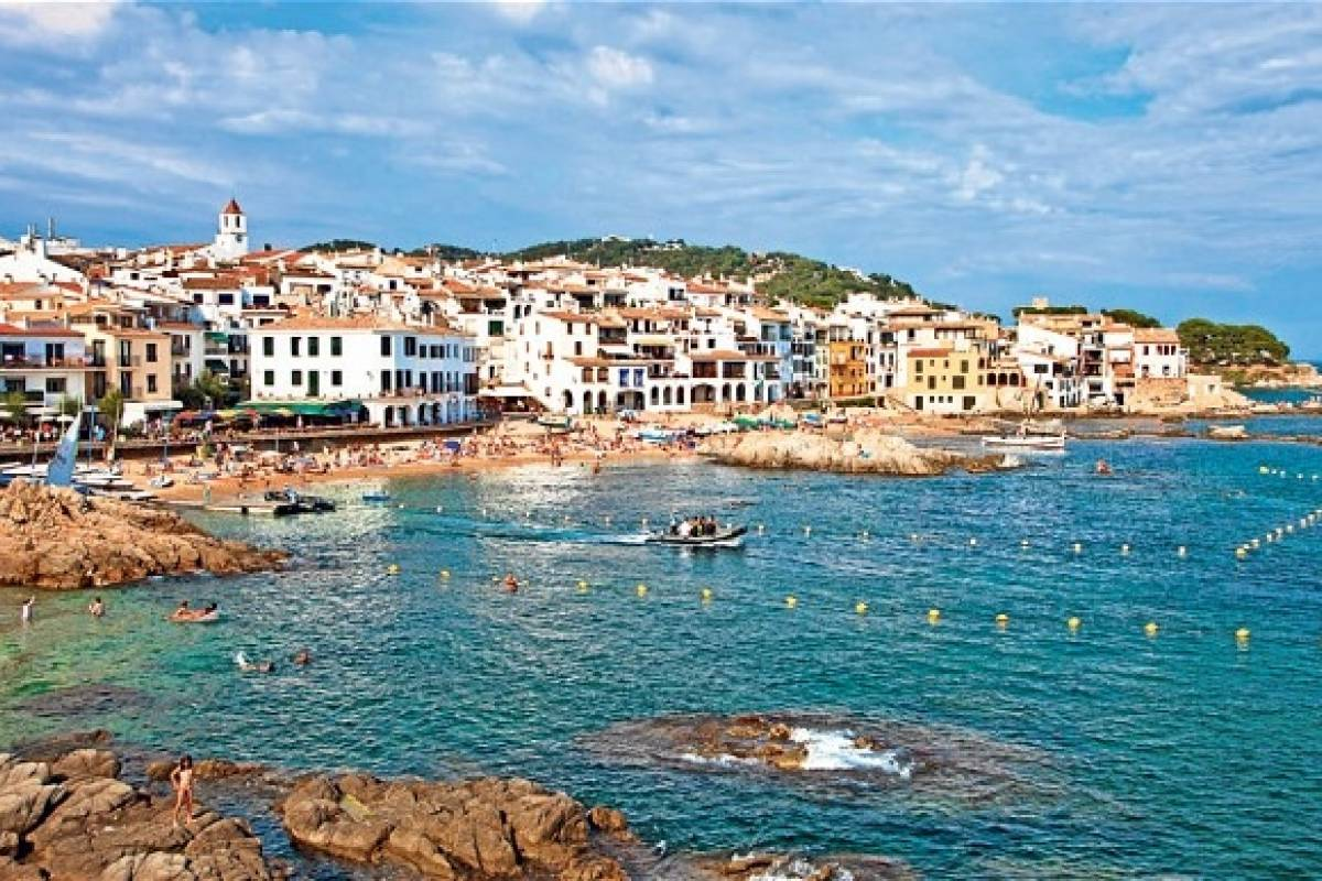 4.0 Tours PRO Barcelona: Calella Day Trip