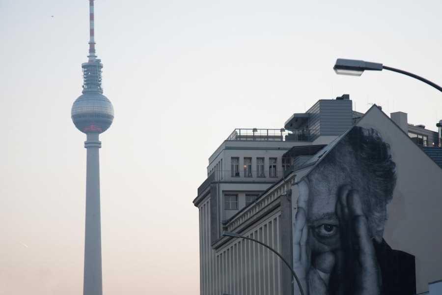 Explorabilia Street Art meets Street Photography
