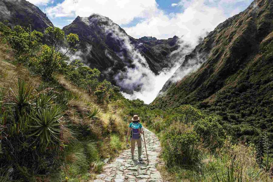 Conde Travel Inca Trail connection lares to Machu Picchu