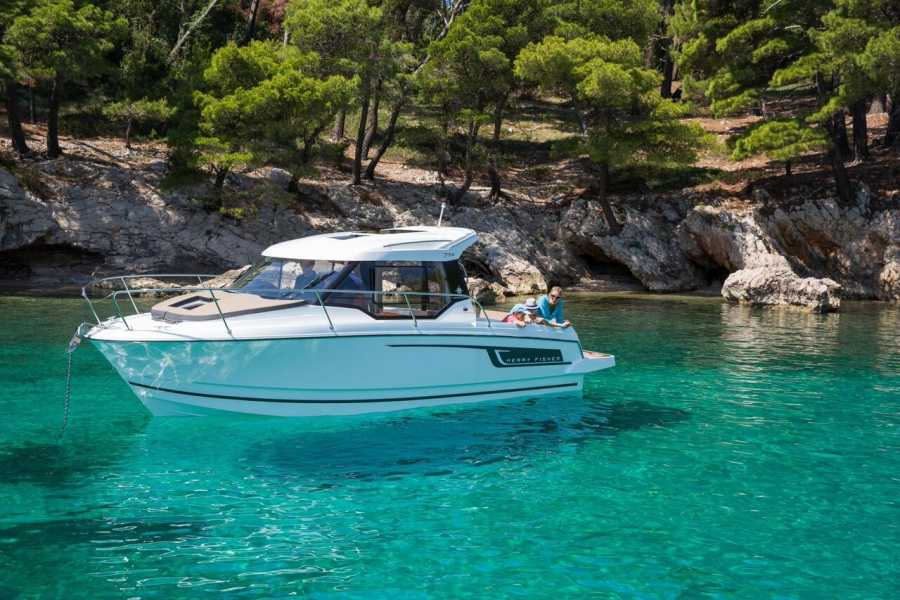 "Travel Agency"" South Tours"" SPEED BOAT:  JEANNEAU MERRY FISHER 795 FROM TROGIR"