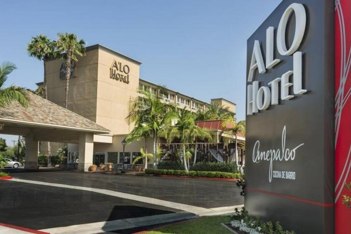 Dream Vacation Builders The ALO Hotel By Ayres Orange at the Outlet Malls
