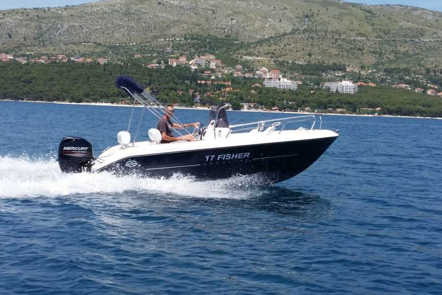 "Travel Agency"" South Tours"" SPEED BOAT: FISHER 17 FROM TROGIR"