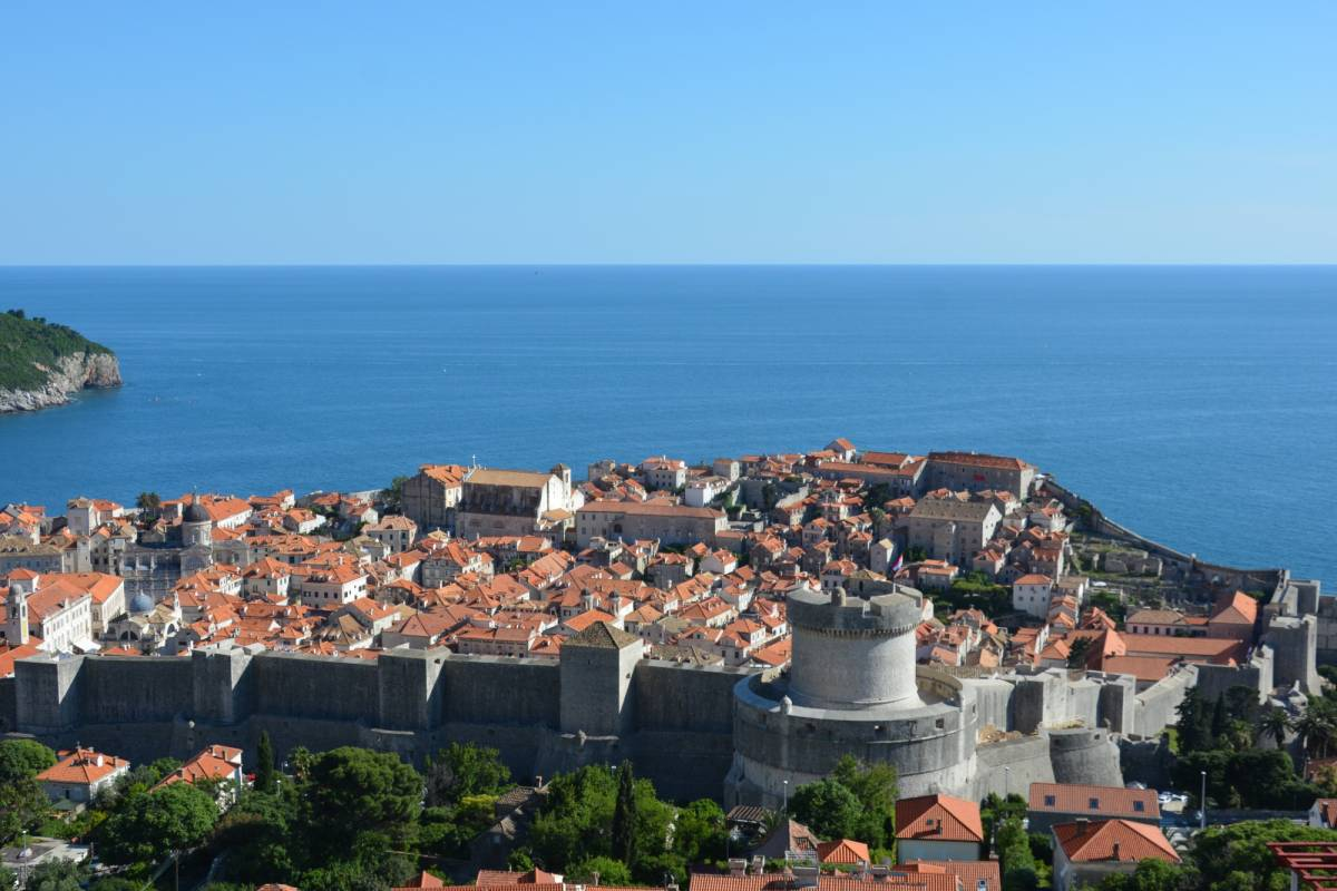 MH Travel Agency TRANSFER from BUDVA and KOTOR to DUBROVNIK AIRPORT AND CITY CENTER