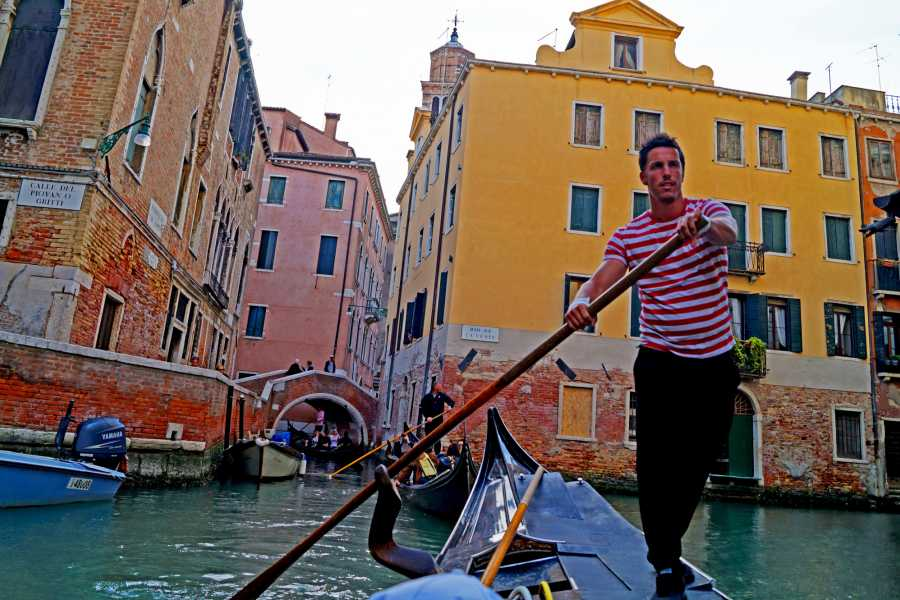 Venice Tours srl COMBO TOUR: Gondola Venetian Waterways & Glassblowing Art