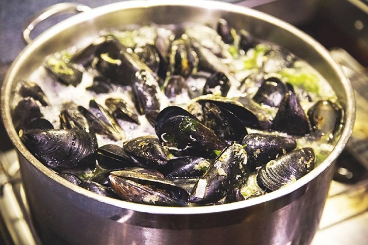 Good Food Ireland Connemara Mussel Festival Weekend with Renvyle House on The Wild Atlantic Way
