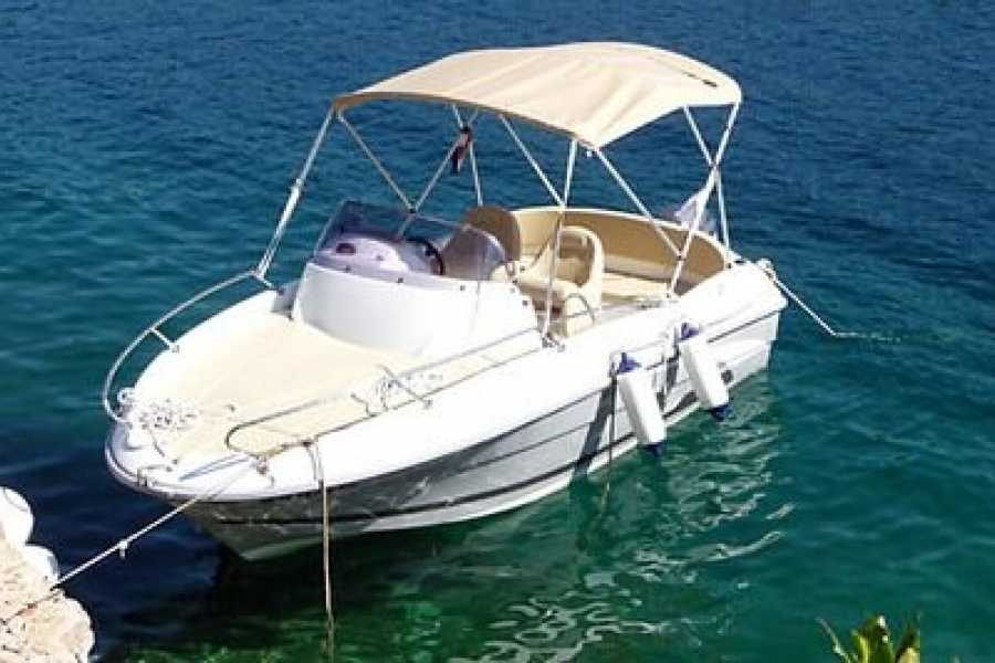 "Travel Agency"" South Tours"" SPEED BOAT:  BENETEAU FLYER 550 SUN  DECK FROM TROGIR"