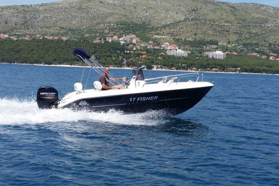 "Travel Agency"" South Tours"" SPEED BOAT: FISHER 17 FROM SPLIT"