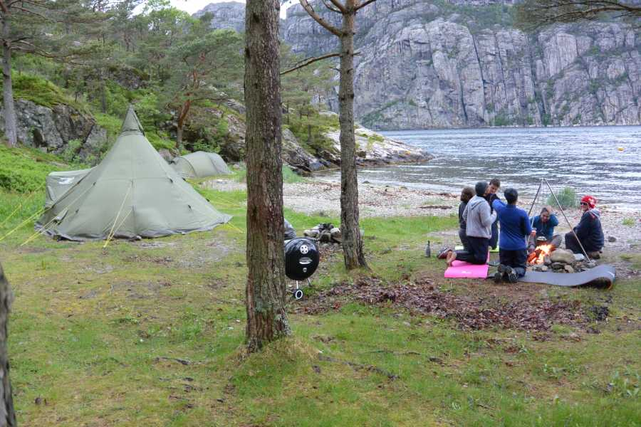 Fjordexpedition Kayak and hike Trodla-Tysdal, 2days.