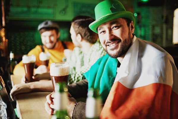 SANDEMANs NEW Edinburgh Tours St Patrick's Day Pub Crawl