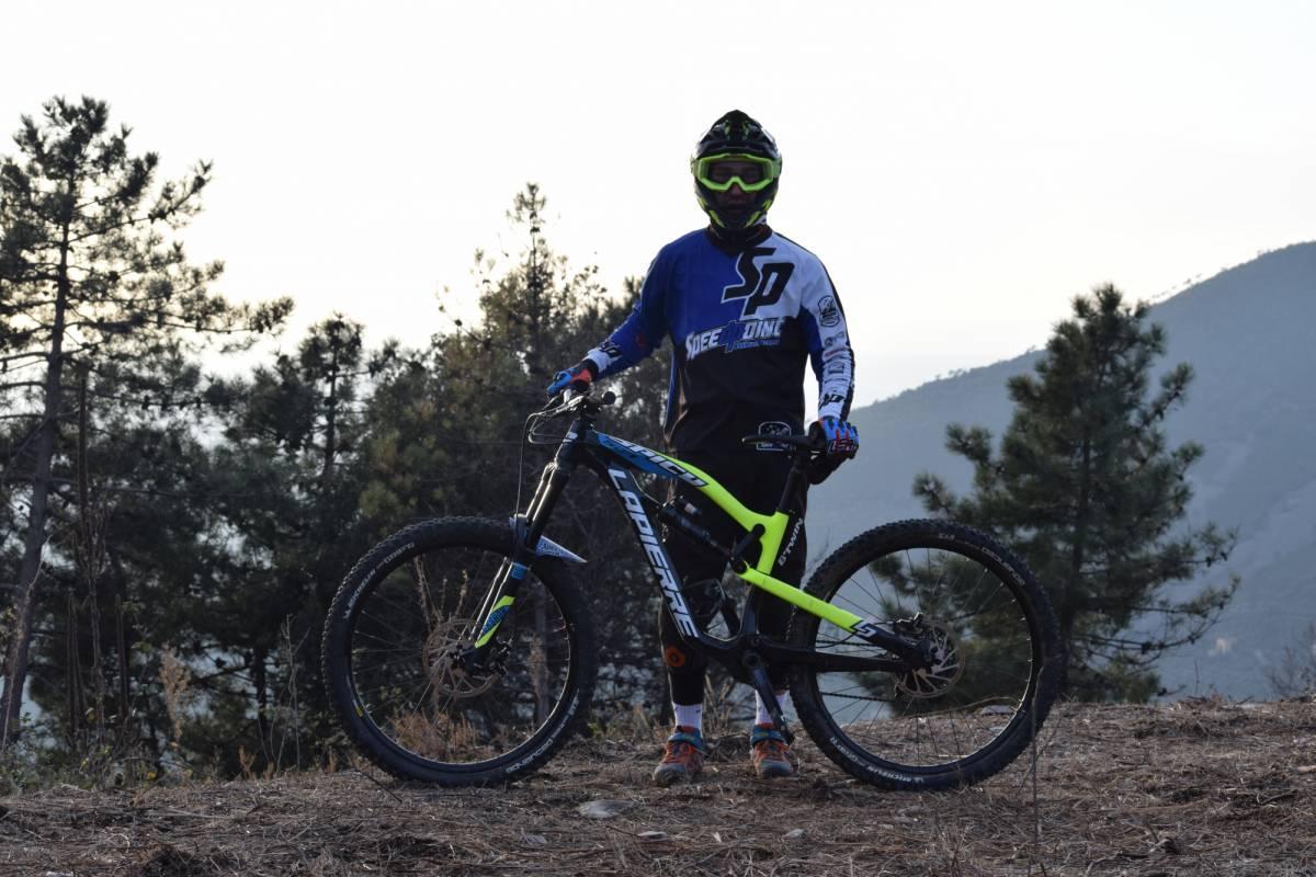 Camperbusiness Puro enduro bike