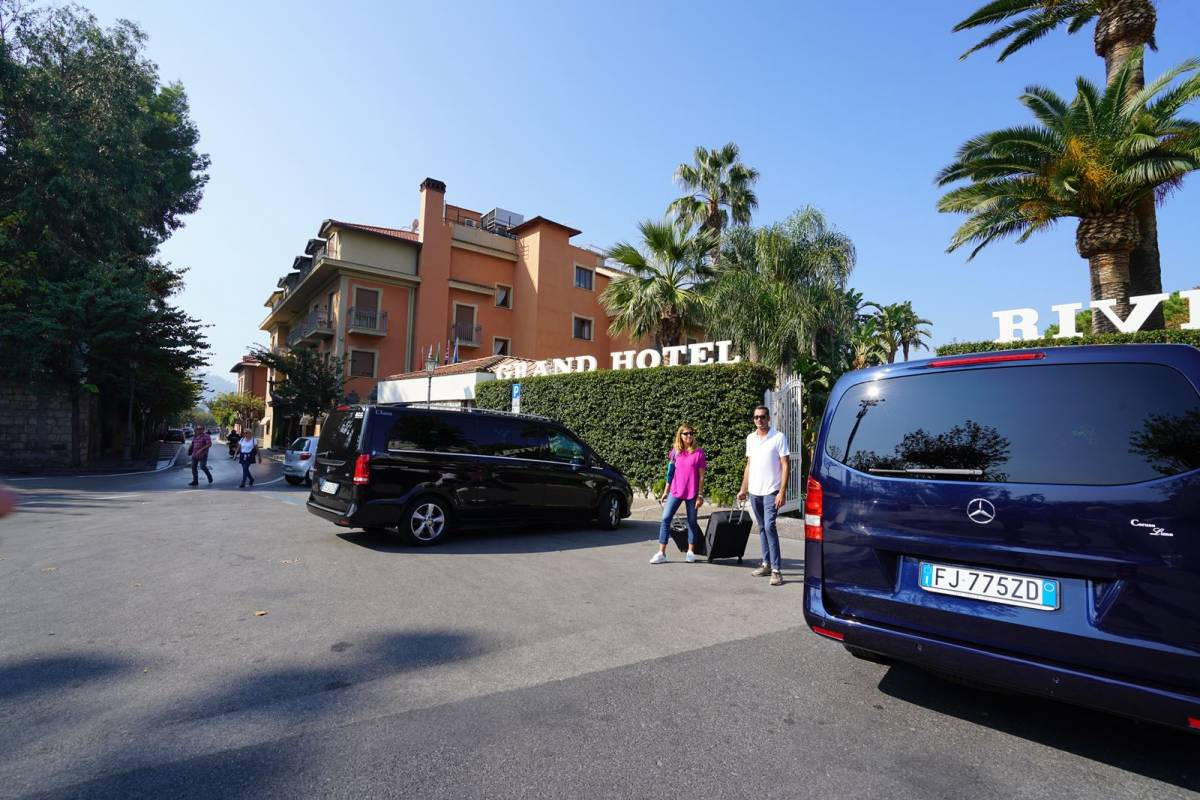 Travel etc Transfer from Positano to Amalfi and Viceversa