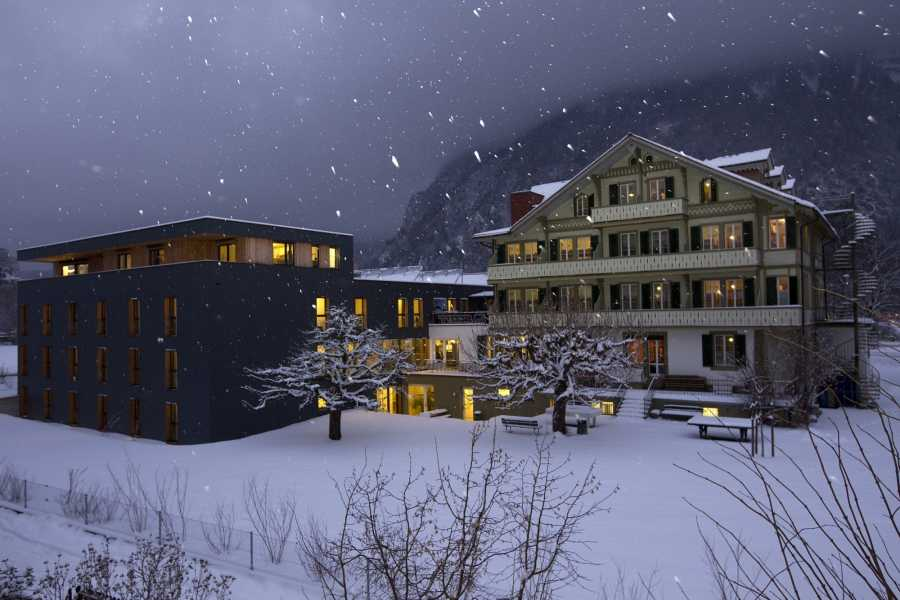 Outdoor Interlaken AG 背包客的别墅滑雪套餐 (Backpacker's Villa Ski Package)