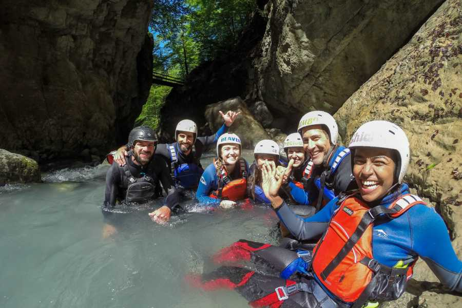 Outdoor Interlaken AG 苏黎世出发-因特拉肯峡谷溪降一日游(Canyoning Interlaken Day Trip from Zurich)